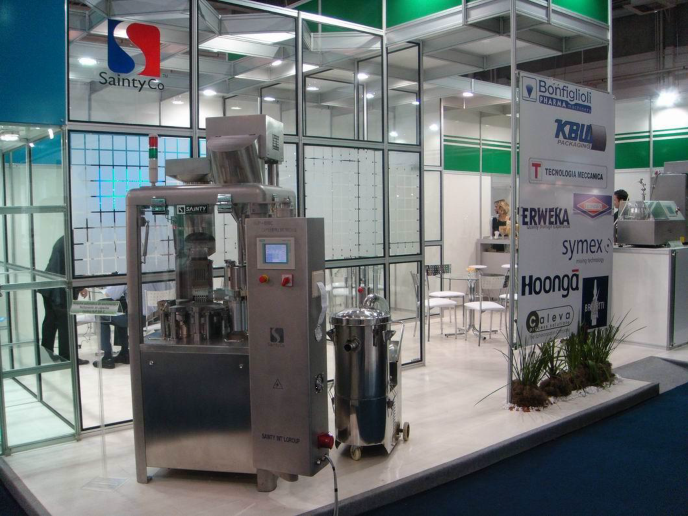 An automatic capsule filler machine that offers a one-stop-solution to all capsule filling requirements