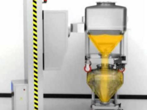 Discharging material from IBC bin blender