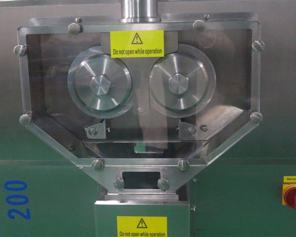LGC-200 Roller Compactor2