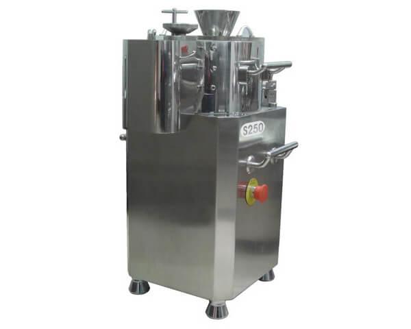 Pellets extruder and spheronizer machine