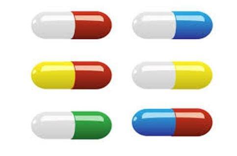 Colored opaque capsules