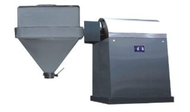 Single arm pharmaceutical mixer